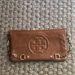 Tory Burch 2 way bag w removable gold chain strap